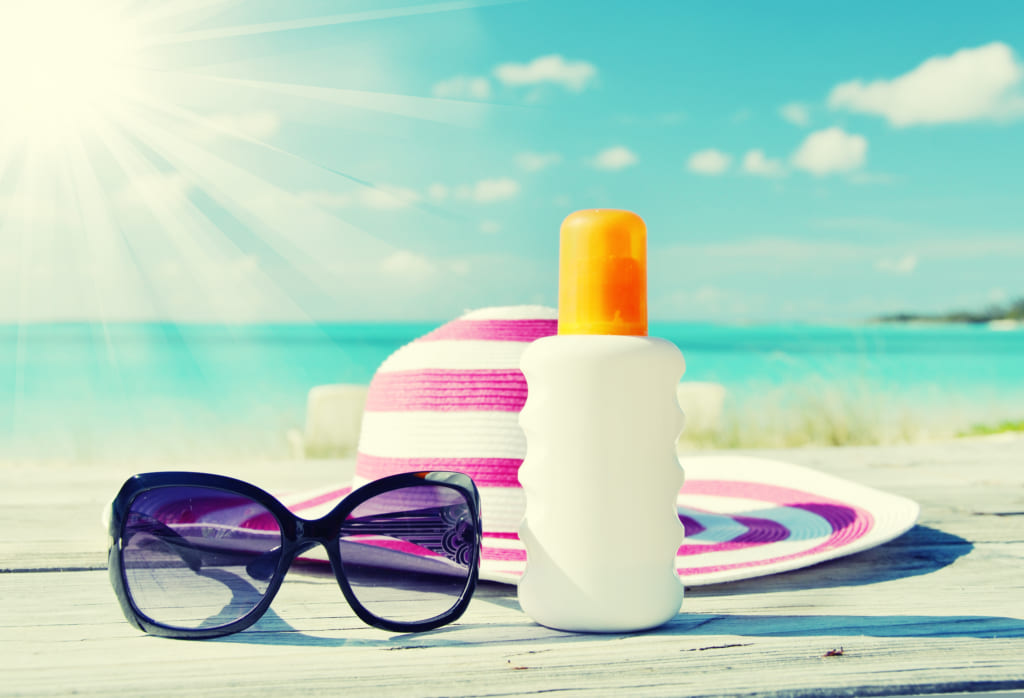 what-to-bring-sunglasses-sunscreen