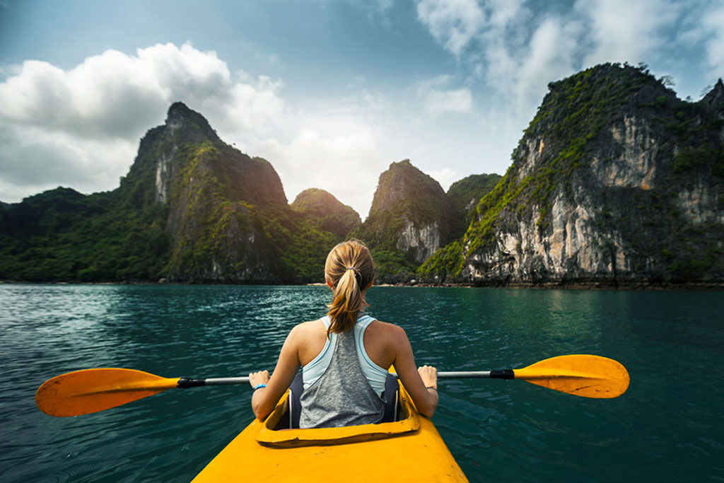 Travelers must be careful when riding the kayak